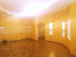 Продается 4 комнатная квартира на Большевистской 2