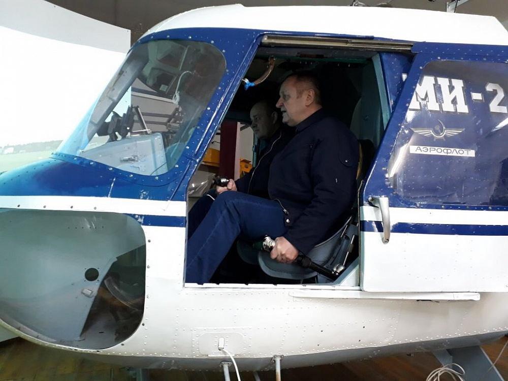 Полёты на Авиатренажёре вертолёта Ми-2