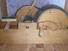 Барабанный кардер для шерсти