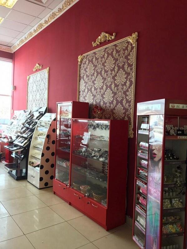 Магазин  современным оборудованием и элитным ремонтом в стиле борроко