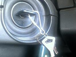 Аварийное вскрытие дверей гаражей сейфов автомобилей