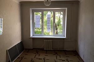 Комната в общежитии секционного типа
