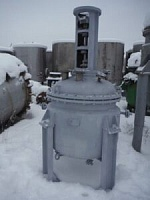 Реактор нержавеющий, объем — 0,25 куб.м.,рубашка, мешалка (без мотор-редуктора)