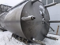 Емкость нержавеющая, объем -30 куб.м., вертикальная, термос, мешалка