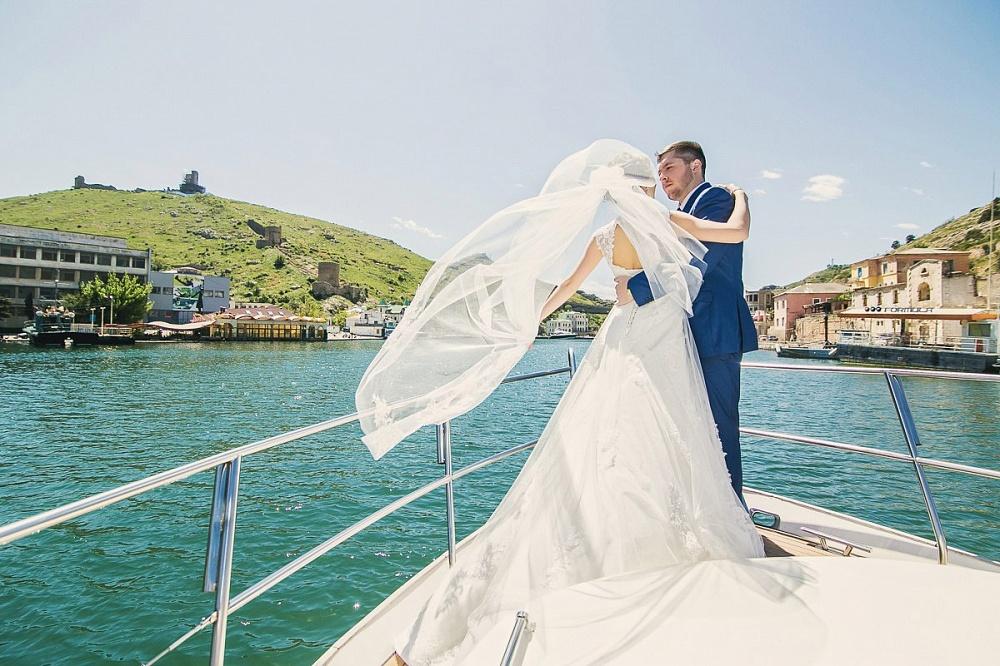 У фотографа пропали фото со свадьбы сношает